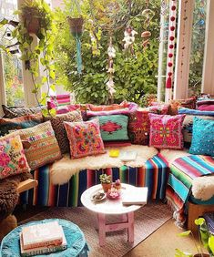 Make your Living room all the more beautiful, cozy, relaxing & boho chic with a bohemian decor. Here are the best Bohemian living room decor ideas for Bohemian Living Rooms, Bohemian Bedroom Decor, Bohemian House, Boho Home, Boho Decor, Bright Living Room Decor, Bohemian Porch, Hippie Living Room, Bohemian Decorating