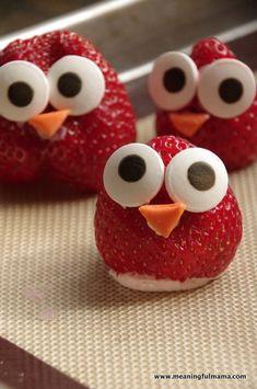 strawberries food philadelphia cream cheese spread Mar AM (strawberry fruit animals) Owl Snacks, Party Snacks, Owl Party Food, Owl Food, Fruit Animals, Food Themes, Food Ideas, Food Trays, Food Displays