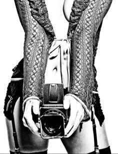 Inspirado na Valentina de Guido Crepax, o fotógrafo brasileiro Alex Korolkovas fez uma série de retratos da modelo Bárbara Nogueira caracterizada como a personagem da história em quadrinhos (2014).