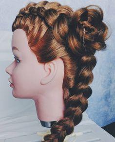 #365daysofbraids #day32 #hairchallenge #braidschallenge #wyzwanie #warkocze #braidideas #braidstyles #braids #instabraids #dutchbraid #flower #warkocz #holenderski #hairstylist #hairblog #hairoftheday