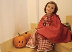 Halloween - Costume da Cappuccetto Rosso  Videotutorial: http://www.unadonna.it/halloween/costume-da-cappuccetto-rosso-video-tutorial/51710/