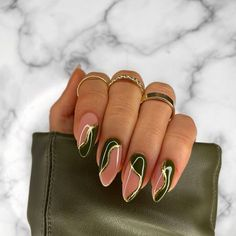 """No Naked Nails on Instagram: """"Obsessed with this khaki & gold foil combo 🤤 @nailstampingqueenuk stick it & gold foil ✨ @the_gelbottle_inc Teddy BIAB, avant garde &…"""" Edgy Nails, Funky Nails, Stylish Nails, Swag Nails, Acylic Nails, Fire Nails, Minimalist Nails, Nagel Gel, Best Acrylic Nails"""