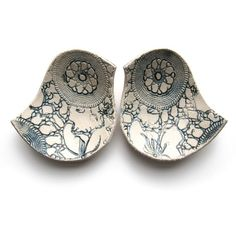 Blue bird bowl pair in vintage lace textured cream stoneware ceramic jewelry holders wedding ring bearer engagement or anniversary gift Ceramic Birds, Ceramic Pottery, Ceramic Art, Slab Pottery, Ceramic Jewelry, Sculptures Céramiques, Tadelakt, Ceramics Projects, Air Dry Clay
