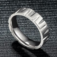 This Unique Tapered Groove Ring is made of high-quality titanium. Titanium is highly hypoallergenic, and the polished inner surface ensures that you wear it smoothly and comfortably. Designed for personal wear or perfect and unique and meaningful personalized gifts, it can provide important gifts for your lovers, family and friends, suitable for daily, party, anniversary, birthday, Thanksgiving, Christmas, Valentine's Day. Tungsten Rings, Titanium Rings, Android Applications, Free Android, Jewellery Making, Men's Accessories, Modern Fashion, Beautiful Rings, Bling Bling