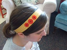 the red kitchen: The Wonky Button Headband