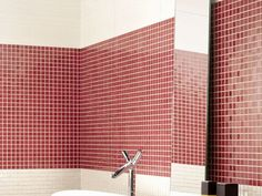 De la couleur dans la salle de bains Love Ceramic, Blinds, Tiles, Bathtub, Curtains, Bathroom, Collection, Home Decor, Bath