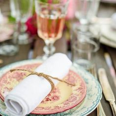 Mismatched vintage tableware - Petras porslin