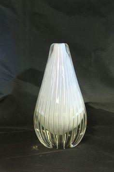 Vase. K2004. Willy Johansson. 1954. Signert: Hadeland 55 WJ. FINN.no - Mulighetenes marked