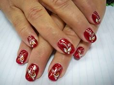 Christmas Holiday Nail Designs, The best DIY Christmas Holiday nail art designs and ideas. We have cool, cute, and simple nail art design tutorials . Chrismas Nail Art, Christmas Shellac Nails, Cute Christmas Nails, Shellac Nail Art, Red Nail Art, Nails Polish, Cool Nail Art, Christmas Holiday, Christmas Ideas