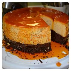 Ingredients: Cans Condensed Milk Cans Evaporated Milk 10 Eggs 2 Tablespoons Of Vanilla Extract 2 Cups Granulated Sugar 1 Box Devils Food Chocolate Cake Mix ( I Use Pills… Bolo Flan, Flan Cake, Yummy Treats, Delicious Desserts, Sweet Treats, Yummy Food, Chocolate Flan, Chocolate Cake Mixes, Chocoflan Recipe