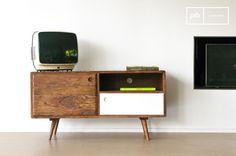 Este mueble TV de madera vintage aportará un toque retro a cualquier hogar de estiloe escandinavo.