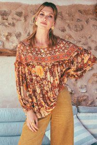 The best boho brands every hippie girl needs to know about Fashion Fabric, Boho Fashion, Vintage Fashion, Boutique Names, Frill Skirts, Vintage Silhouette, Boho Look, Bohemian Style, Boho Outfits