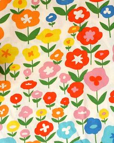 Vintage Bloomcraft Fabric available at earlgreystudio Retro Fabric, Vintage Fabrics, Vintage Prints, Vintage Flowers, Red Flowers, Vintage Floral, Vintage 70s, Textures Patterns, Color Patterns
