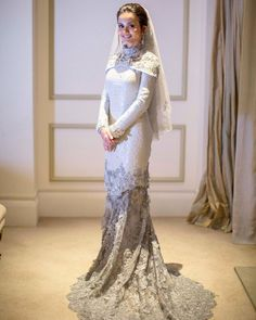 Lovely Songket from Adila Long. Muslimah Wedding Dress, Muslim Wedding Dresses, Muslim Dress, Wedding Attire, Bridal Dresses, Malay Wedding Dress, Wedding Hijab Styles, Dress Indian Style, Traditional Dresses