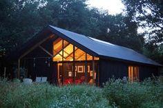 Schuurhuis Sellingen: eenvoudig woonhuis met het karakter van een schuur.