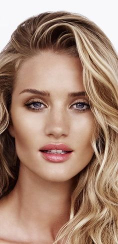 Want perfectly highlighted cheekbones? You're in luck, this is the most popular highlighter on Pinterest. Time to get to contouring (you're not going to look like Rosie Huntington Whiteley just sitting there)