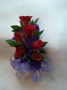 Red spray roses with purple stattice Decorative Accessories, Suit Accessories, Graduation Party Themes, January Wedding, Lapel Flower, Wedding Decorations, Wedding Ideas, Corsage Wedding, Spray Roses