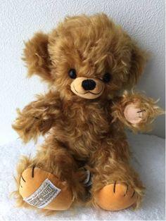 レッドサンタ チーキー★メリーソート Teddy Bears, Little Girls, Childhood, Dolls, Animals, Teddy Bear, Baby Dolls, Toddler Girls, Infancy
