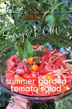 🌿🌞🍃🍅RAWCIPE! Super E-Z Sexy Summer Tomato Salad! Raw & Organic Tomatoes only please. Simply Slice and Layer Spanish Onion Slices & Tomatoes Slices. Add Organic, Cold-Pressed Olive Oil and Chunky Himalayan Salt and Fresh Herbs. Gently blend and let marinate overnite in the fridge. RAWlicious! Summer Tomato, Sliced Tomato, Tomato Garden, Himalayan Salt, Tomato Salad, Summer Garden, Feeling Great, Fresh Herbs