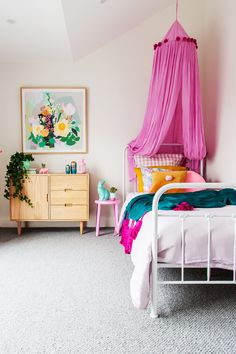 A Colourful Hamptons Home On The Mornington Peninsula A combination of bright and pastel pinks have been used to create a sense of fun in this kids' bedroom in a Hamptons style home on the Mornington Peninsula. Kids Bedroom Boys, Cool Kids Bedrooms, Kids Bedroom Designs, Kids Rooms, Kid Bedrooms, 6 Year Old Girl Bedroom, Decorate My Room, Small Room Design, Childrens Room Decor