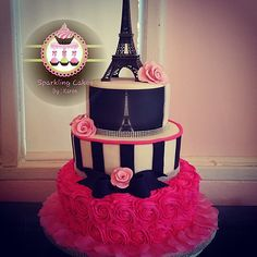 Paris Themed Quince Cakes: Love at First Bite Paris Birthday Cakes, Paris Themed Cakes, Paris Birthday Parties, Paris Cakes, Parisian Cake, Parisian Party, Parisian Wedding, Elegant Wedding Cakes, Sweet 16 Cakes