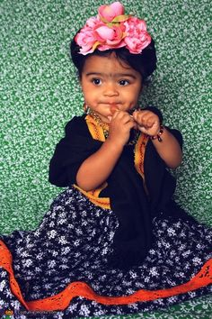 Baby Frida Kahlo - 2014 Halloween Costume Contest via @costume_works