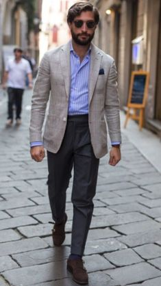 The Gentleman's Guide to Casual Fridays Stylish Men, Men Casual, Bon Look, Herren Outfit, Men's Coats And Jackets, Mens Fashion Suits, Well Dressed Men, Gentleman Style, Business Fashion