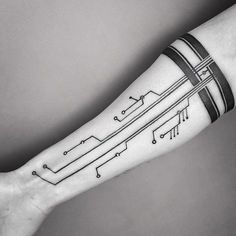 coolTop Tattoo Trends - 40 Circuit Tattoo Designs That Are Really Cool Diy Tattoo, Tech Tattoo, Get A Tattoo, Arm Tattoo Ideas, Black Band Tattoo, Tattoo Band, Armor Tattoo, Band Tattoo Designs, Wolf Tattoo Design