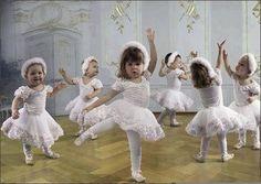 Adorable Baby Ballet, Ballerina Dancing, Little Ballerina, Ballet Dancers, Toddler Ballet, Angelina Ballerina, Dancing Baby, Dancing Dolls, Shall We Dance