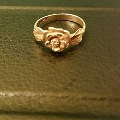 14k Gold Rose Ring Cz stone, Broken (3rd picture), still able to be worn without a problem. No trades or Paypal. Jewelry Rings