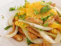 Wie im Restaurant: Fenchel-Orangen-Salat mit gebratenem Tofu bei gogreeneatclean. http://gogreeneatclean.blogspot.co.at/2013/03/vegan-wednesday-31.html