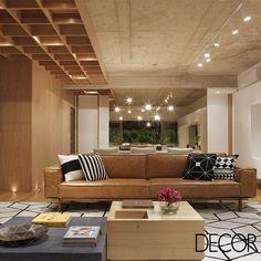 Com projeto de interiores assinado pelo escritório PKB Arquitetura, apartamento o propõe aconchego e bem-estar à família graças à amplitude e integração com espaços externos.