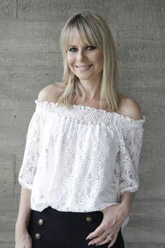 Look Feminino - AMISSIMA Verão 2016 - Bata ombro a ombro Calça com abotoamento navy