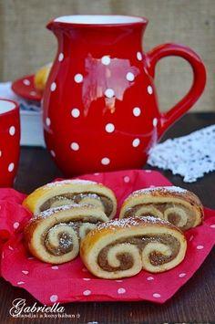 Gesztenyés tekercsek Poppy Cake, Creative Cakes, Cake Recipes, Mason Jars, Cookies, Mugs, Tableware, Food, Pastries