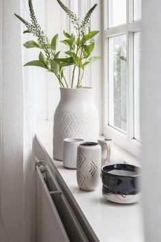Project K: A Light and Bright Bedroom Windowsill Decoration, Window Sill Decor, Cleveland, Vase, Pure Products, Bedroom, Projects, Home Decor, Kitchen Plants