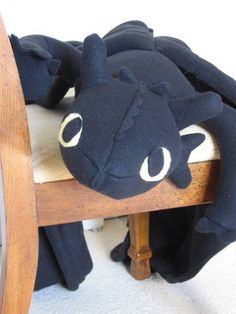 Toothless! best dragon ever.
