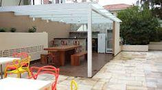 Esse terraço com pergolado é super simples de ser construído na laje da sua casa, confira mais ideias!