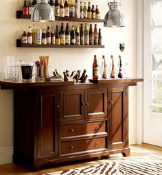 Small home bars are versatile and fun interior decorating ideas. A small bar design is great for a bachelor apartment and a family home, bringing fun, convenience and elegant luxury into interior deco Mini Bars, Bar Furniture, Modern Furniture, Bar Sala, Small Bars For Home, Bar Cart Decor, Bar Designs, Interior Decorating, Interior Design