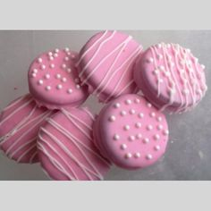 12 Pretty Little Girl Pink Chocolate Covered Oreo Cookies with White Chocolate Drizzle White Chocolate Oreos, Chocolate Drizzle, Chocolate Covered Oreos, Boy Baby Shower Themes, Girl Shower, Baby Shower Decorations, Shower Centerpieces, Pretty Little Girls, Pretty In Pink