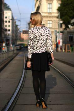 skirt & sunglasses - Asos / sweater - H&M / shoes, bag & bracelet (sponsored by Aldo) / tights - Calzedonia / earrings - / ring - Calvin Klein H&m Shoes, Forever21, Aldo, Knits, Calvin Klein, Tights, Bracelet, Skirt, Sunglasses