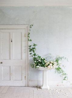 minimalism - Vicki Archer //  https://www.instagram.com/vickiarcher/
