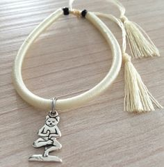 Yoga Cat Silver 925 Charm on White Cotton di RevolutionJewels