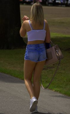https://flic.kr/p/Ppojvb | I Saw Her Walking | Blonde, Blue Jean shorts and pink fingernails . . . Beautiful!   ZOOM IN !