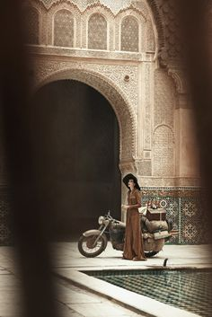 Edie Campbell Poses in Morocco for Peter Lindbergh in Vogue US June 2013…