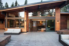 Exotic Mountain House Using Exotic Wooden Material and Natural Stone : Awesome Modern Patio Design Mountain Modern Digs Exterior Contemporary Patio, Modern Patio, Modern Exterior, Exterior Design, Modern Roofing, Patio Design, Modern Mountain Home, Mountain Home Exterior, Mountain Houses