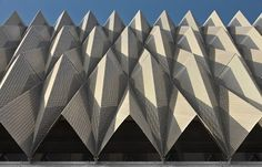 This building in Pamplona, Spain, by Vaillo & Irigaray & Galar is characterised by an outer skin that envelopes the facade. Folding Architecture, Facade Architecture, Beautiful Architecture, Triangular Architecture, Biomimicry Architecture, Classical Architecture, Design Oriental, Facade Pattern, Famous Architects
