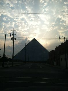 Great food and music in the shadows of the Memphis Pyramid (soon to be a Bass Pro Shop).