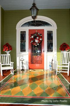 porch paint ideas Outdoor Christmas wreaths can make an ordinary porch extraordinary for the holiday season. See how these Christmas wreath decorations add immense appeal and maximize Painted Porch Floors, Porch Paint, Porch Flooring, Painted Rug, Outdoor Rugs, Outdoor Spaces, Outdoor Decor, Outdoor Ideas, Wreaths For Front Door