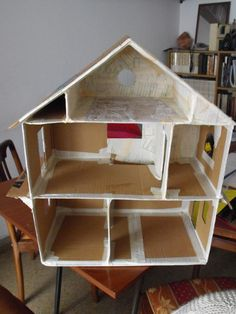 How To Build A Dollhouse From Scratch Cardboard Dollhouse, Cardboard Toys, Diy Dollhouse, Homemade Dollhouse, Wooden Dollhouse, Miniature Dollhouse, Diy Furniture Plans, Barbie Furniture, Dollhouse Furniture