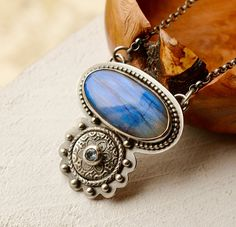 Unique Labradorite Necklace with Intricate detail by EONDesignJewelry
